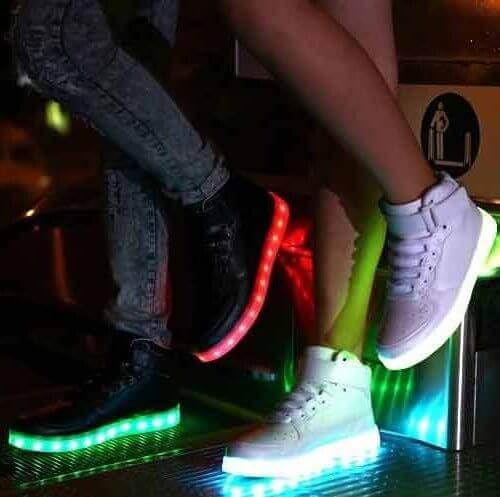 new concept 84fa1 21dbd Then our Bright LED shoes with luminous soles are really for you. With the  control button, choose between 7 different colors, flashing white light or  ...